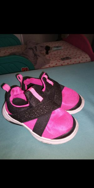 Size 7 toddler for Sale in Perris, CA