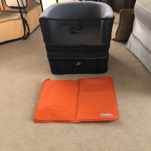 Pet Car Seat Small Dog Safety Carrier!! for Sale in Schaumburg, IL