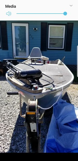 14 foot boat for Sale in Morganfield, KY