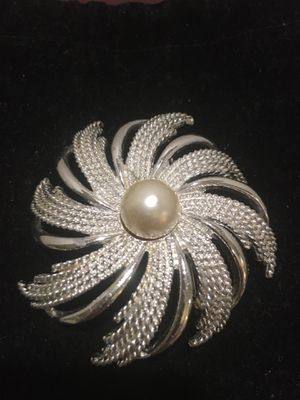 Sarah Coventry Vintage Brooch for Sale in Maryville, TN