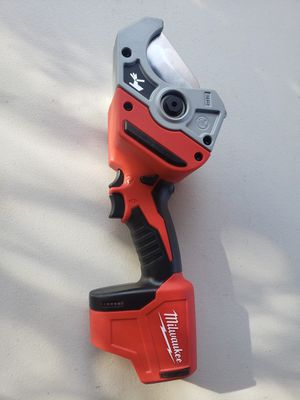 Milwaukee M12 12-Volt Lithium-Ion Cordless PVC Pipe Shear for Sale in Sacramento, CA