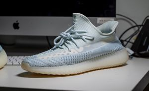 Adidas Yeezy 350 - size 10 for Sale in Westchester, CA