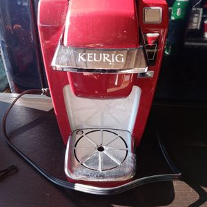 Small Red Keurig Coffee Machine. for Sale in Columbus, OH