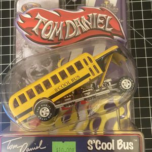 New In Box Tom Daniels S'Cool Bus 1/43 Scale Die cast Toy Zone Collectible for Sale in Huntington Park, CA