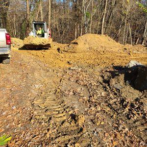 Servisio De Excavator & BOBCAT for Sale in Friendswood, TX