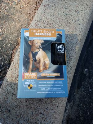 True fit smart harness for car and leash for Sale in Payson, AZ