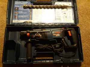 Bosch bull dog rotray, Xtreme hammer drill with bits for Sale in Sicklerville, NJ