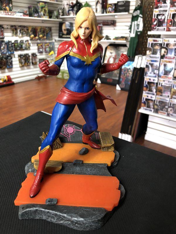 Captain Marvel Marvel vs. Capcom Infinite Triforce Marvel 2017 Statue