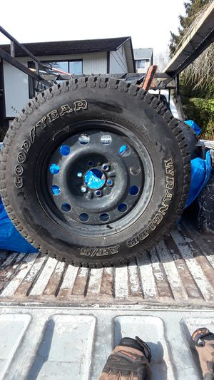 1 nee tire for full size Ford truck/good tyear wrangler LT 275./65R18 for Sale in Tacoma, WA