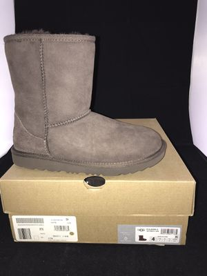 Used, Kids UGG AUSTRALIA CLASSIC SHORT BOOTS CHOCOLATE 4 for Sale for sale  Compton, CA
