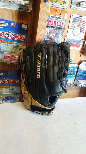 "Baseball / Softball Glove Supreme Series Pro Model , 14"" for Sale in Santa Fe Springs, CA"