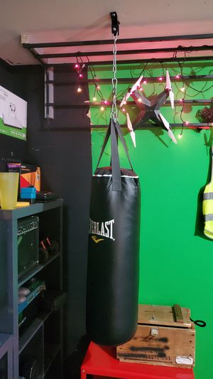 Punching bag for Sale in Cross Roads, TX
