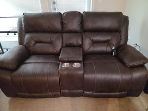 Loveseat w/Power Recline for Sale in Bothell, WA