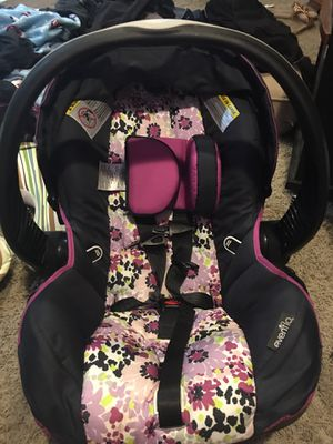 Evenflo infant car seat for Sale in Warren, MI