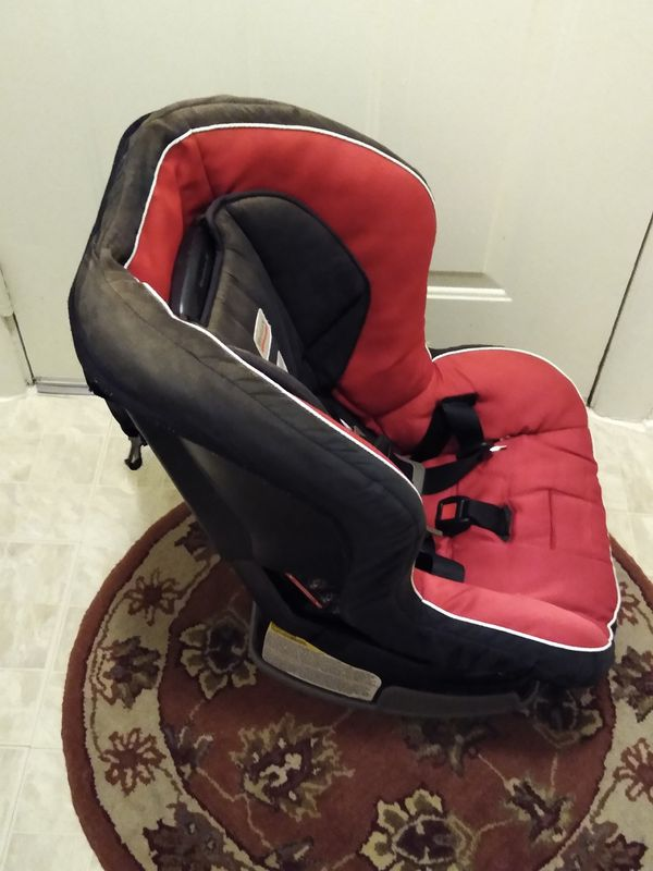 Used car seat has a small hole in cushion has a little bit of fading but other than that is fine $20 offer