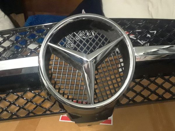 2014 Mercedes-Benz CLS series front grill
