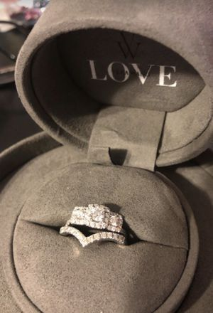 Vera wang ring for Sale in Cypress Gardens, FL