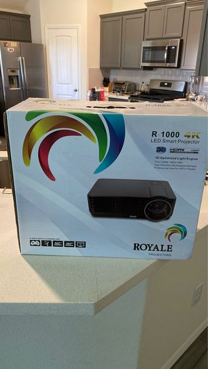 LED SMART PROJECTOR AND PROJECTION SCREEN for Sale in Forney, TX