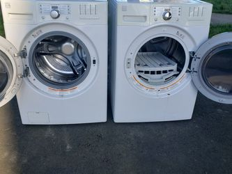Matching Kenmore Washer And Dryer - ⚡ Electric ⚡ for Sale in Newberg,  OR