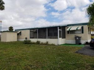 2 BR 2 BA MOBILE HOME $10,000 or best offer/ CASH sale only - WEST PALM BEACH for Sale in Palm Beach Shores, FL