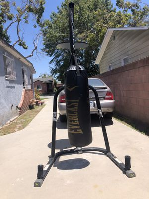 Everlast UFC Heavy Bag and Speed Bag Stand for Sale in Lakewood, CA