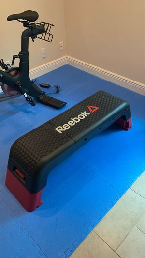 Reebok professional fitness deck weightlifting bench for Sale in Davie, FL