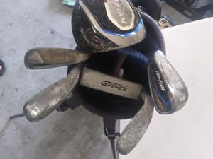 Youth size golf clubs set with caddy bag for Sale in Bethlehem, PA