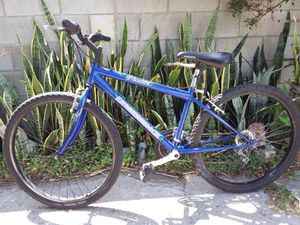 Diamondback Outlook unisex mountain bike recondition for Sale in City of Industry, CA