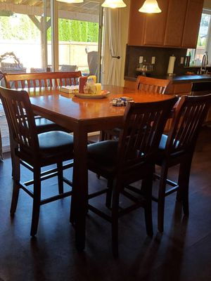 Kitchen table and chairs for Sale in Marysville, WA