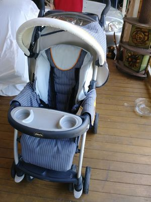 Chicco baby stroller for Sale in Tampa, FL