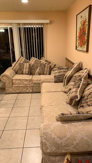 Couch for Sale in Lathrop, CA