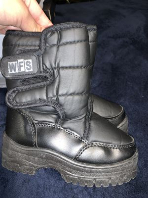 Kids snow boots for Sale in Redlands, CA