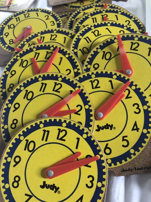15 mini clocks for Sale in Pekin, IL