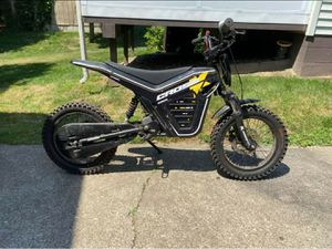 Electric cross kids dirt bike for Sale in Ravenna, OH
