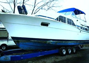 1978 Chris Craft Catalina 350 Double Cabin Cruiser for Sale in Detroit, MI
