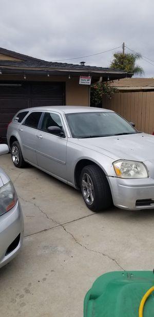 2005 Dodge Magnum NOT RUNNING for Sale in Baldwin Park, CA