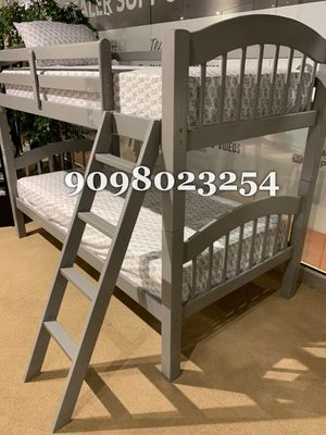 TWIN/TWIN BUNK BEDS W ORTHOPEDIC MATTRESS INCLUDED for Sale in Jurupa Valley, CA