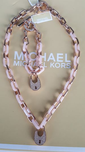 New Authentic Michael Kors Women's Baby Pink With Rosegold Necklace and Bracelet 🌸🌸🌸🌸 for Sale in Montebello, CA