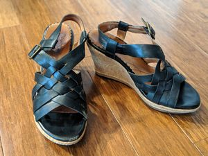 Clark's woman's leather sandals, size 7.5 for Sale in Issaquah, WA