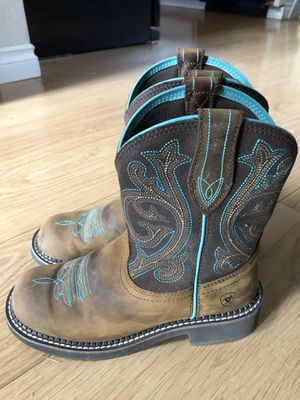 Almost new Ariat boots 7.5 for Sale in Port Orchard, WA