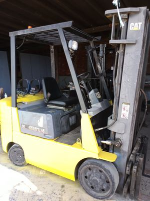 Forklift Caterpillar 5000 pounds for Sale in San Diego, CA