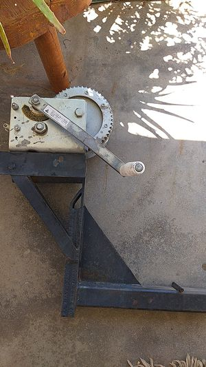 Fulton T2605 MOUNTED HAND CRANK WINCH for Sale in Fortuna Foothills, AZ