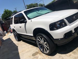 2003 Ford Explorer v8 for Sale in Long Beach, CA