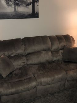 Recliner Couch for Sale in Auburn,  WA