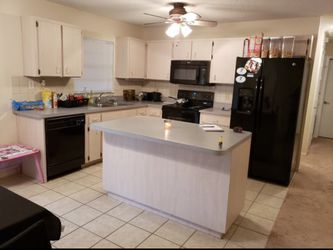 New And Used Kitchen Cabinets For Sale In New Port Richey Fl Offerup