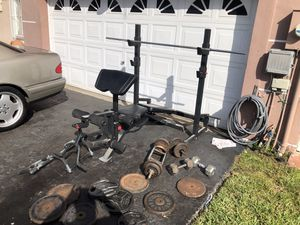 weight set good condition over 200 lbs of weight +++ west kendall **** for Sale in Miami, FL