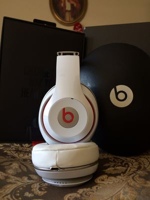 Beats studio 2 WIRED ONLY for Sale in Prospect Heights, IL