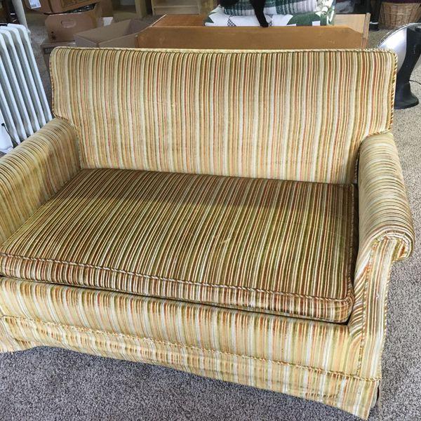 Free Vintage Twin Sleeper Sofa