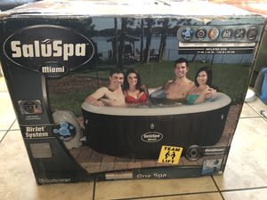 Bestway SaluSpa Miami Inflatable Hot Tub, 4-Person AirJet Spa BRAND NEW IN HAND! for Sale in Hawthorne, CA