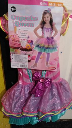 Girls Halloween costumes for Sale in San Angelo,  TX